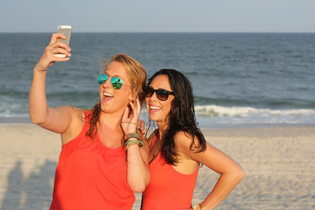 selfie for sharing on social media - is this sensible for your home insurance