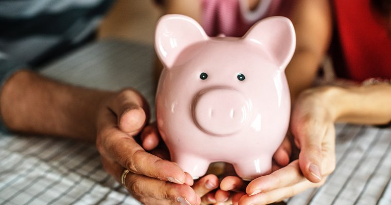 Digital piggy bank Rooster Money - a pocket money app for children