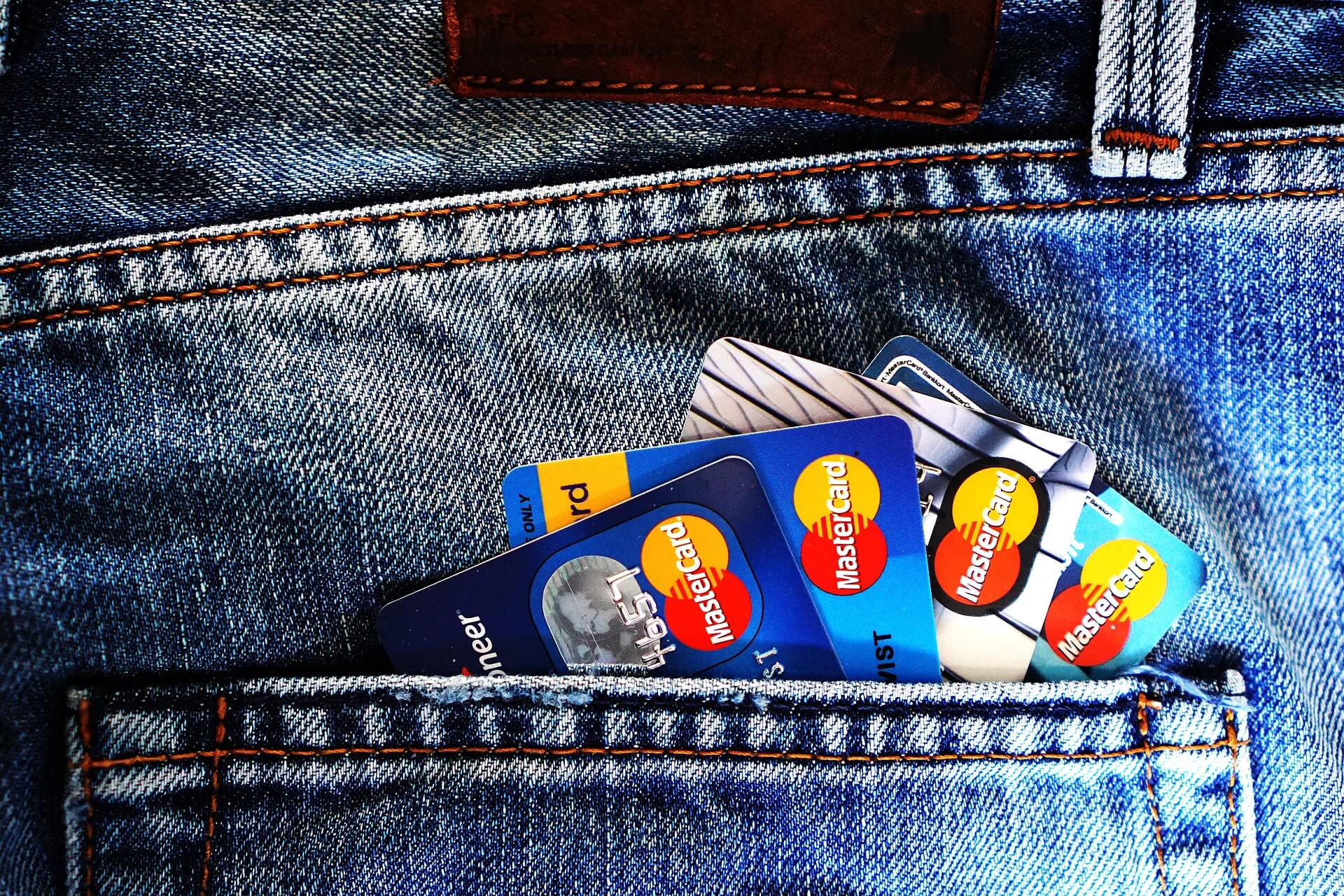 credit cards in back pocket of jeans -