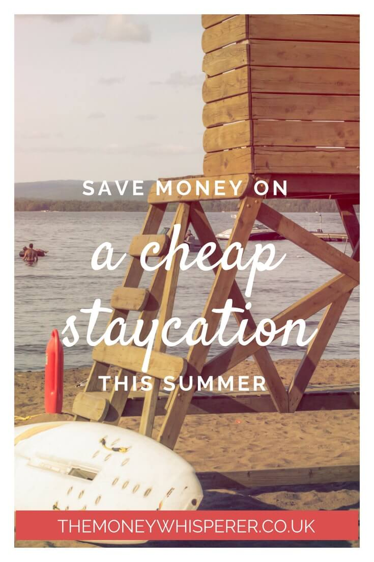 Save money on a cheap staycation this summer. Holidays in the UK don't need to break the bank - check out my top tips to save money on a UK #staycation. #holidaybudget #cheapholidays #ukholiday #savemoney